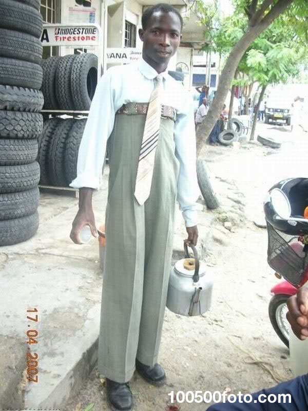 Необъяснимо высокие брюки