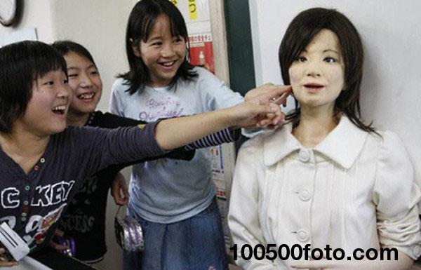 Робот-учитель Сая - 2