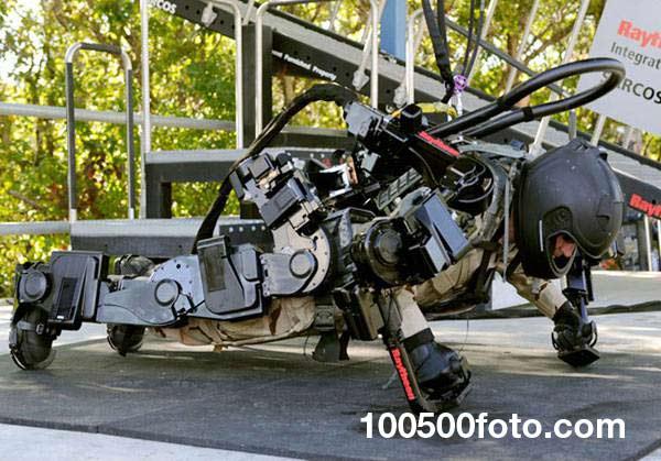 Роботизированный костюм Raytheon XOS 2
