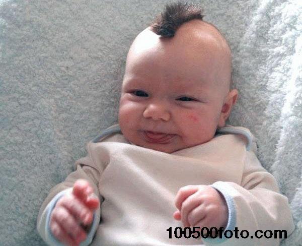 Младенец с ирокезом