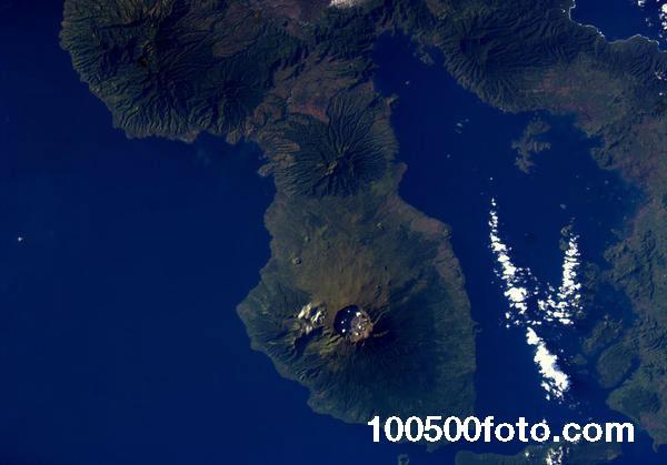 Вулкан Тамбора, остров Сумбава, Индонезия