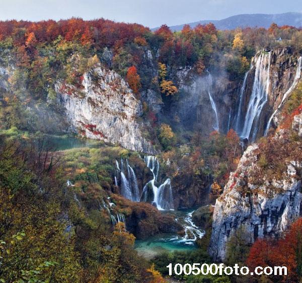Водопад осенью (Хорватия)