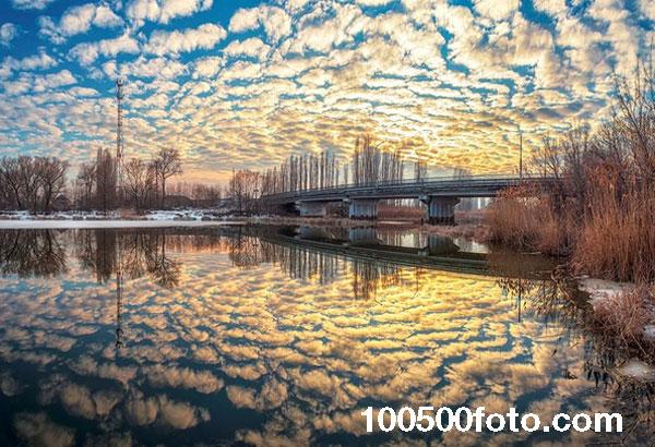 Закат весной на реке Усманке (Россия)