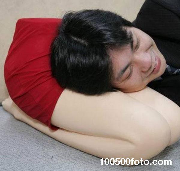 Смешная нетрадиционная подушка
