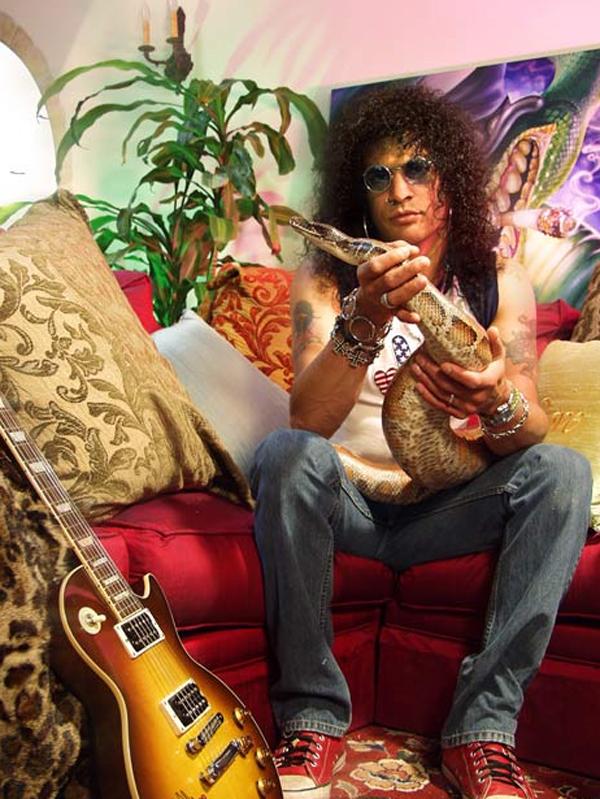 Guns N' Roses со своей змеей