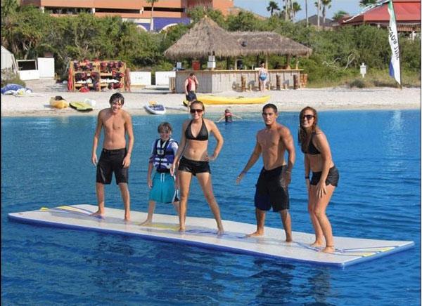 Надувной мат для ходьбы по воде