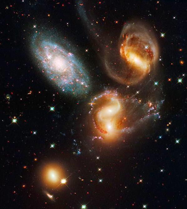 Квинтет Стефана, представляющий собой группу из 5-ти галактик в созвездии Пегаса
