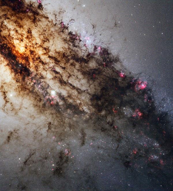 Пылевые дорожки галактики Центавр А