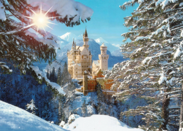 Замок Нойшванштайн (Германия) Был построен в 19 веке Людвигом ІІ как воплощение романической мечты монарха. Строительство потянуло на огромную сумму – 6 млн золотых марок, поскольку для возведения замка потребовалось опустить плато скалы на 8 метров. Сразу же после кончины монарха замок был открыт для посетителей чтобы окупить небывалую сумму. Немцы шутят до сих пор: «Чтобы Нойшванштайн окупился, нужно чтобы каждый житель планеты побывал в нем».
