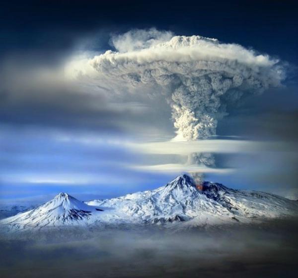 Фото извержение вулкана горы Арарат (Турция)