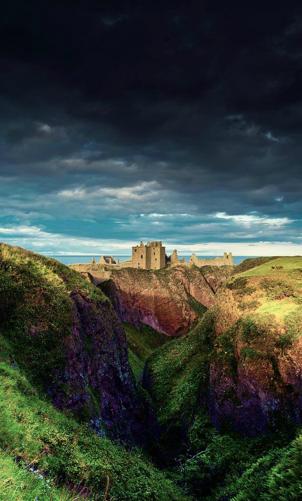 Замок Данноттар (Шотландия)