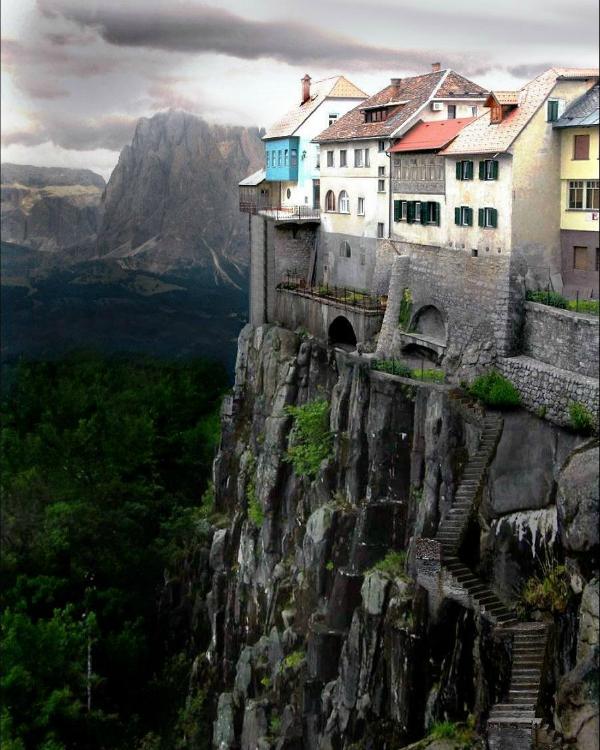 Кастельфульит-де-ла-Рока (Испания)