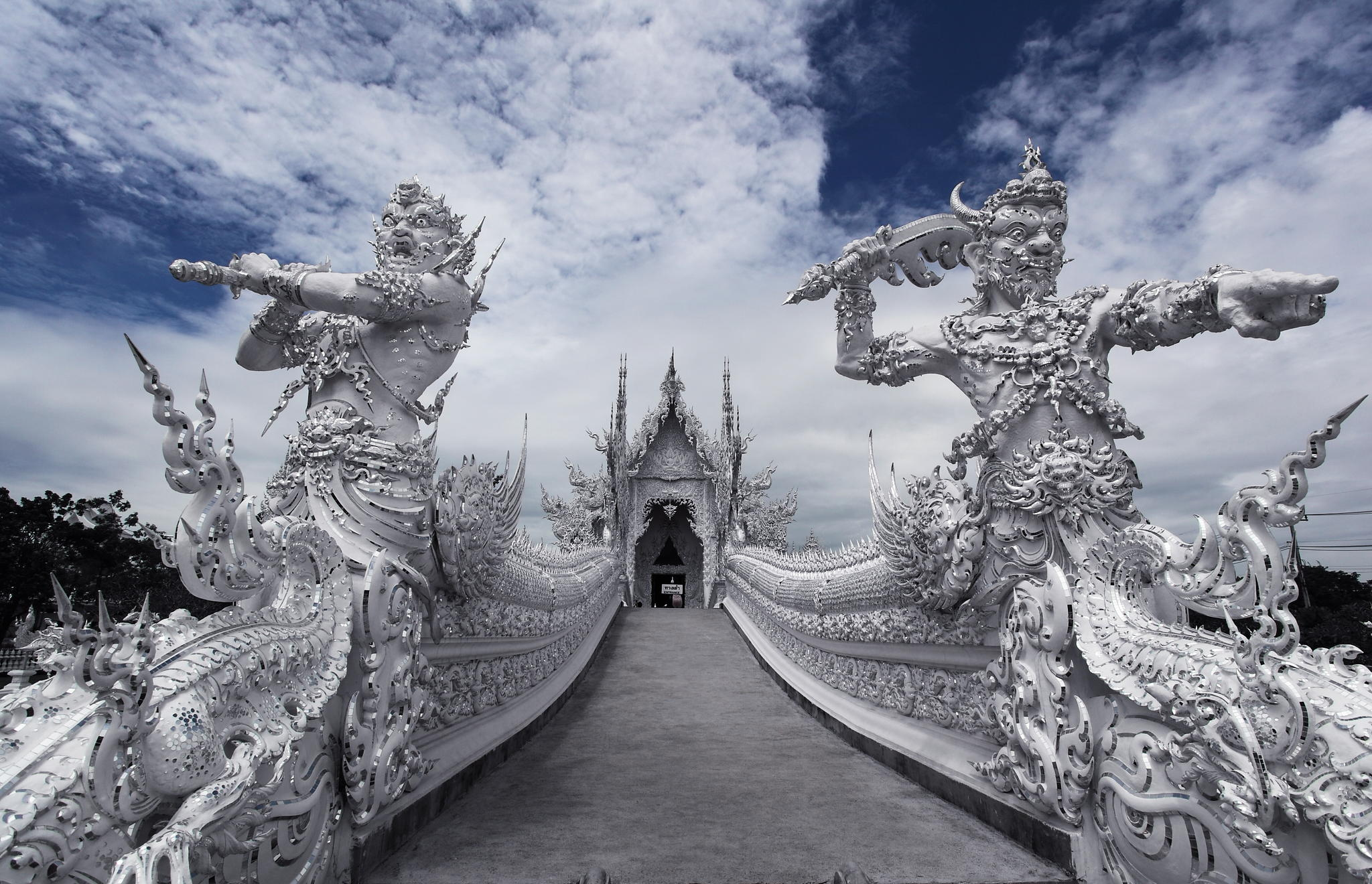 wat-rong-khum-tour-thailandia