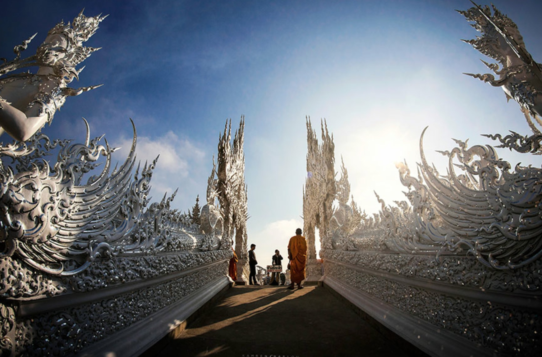 white-temple-Thailand-99