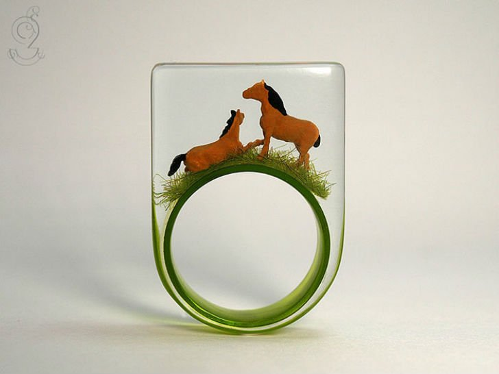 1459169348_miniature-worlds-inside-jewelry-isabell-kiefhaber-4