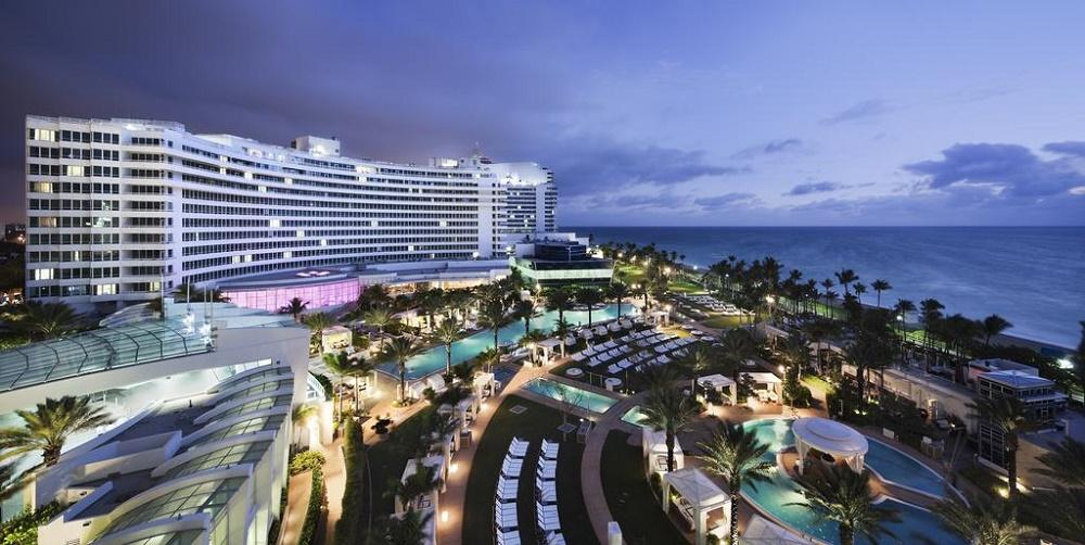 Фонтенбло Майами Бич самый известный пляж в Маями