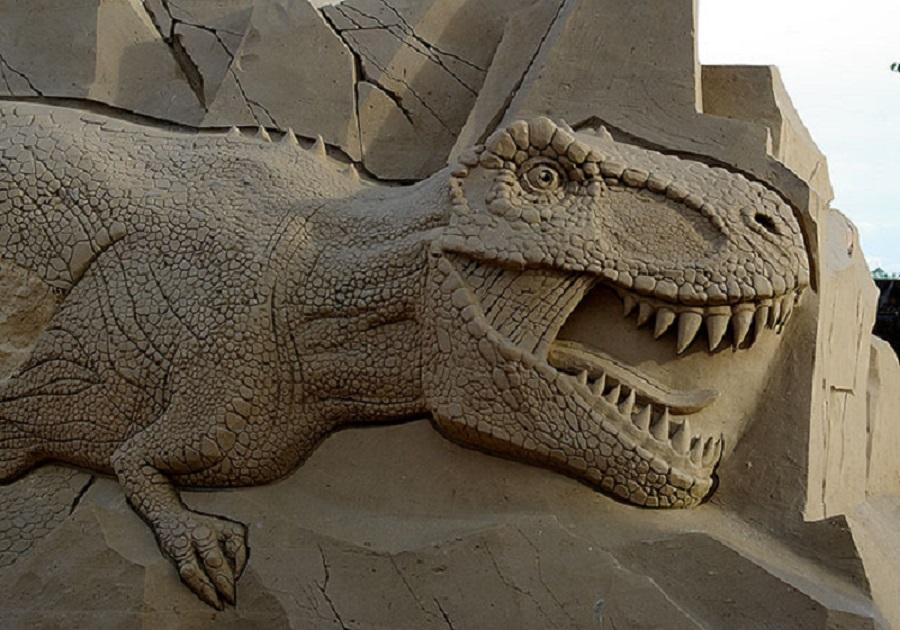 в 2016 году на выставке были динозавры из песка