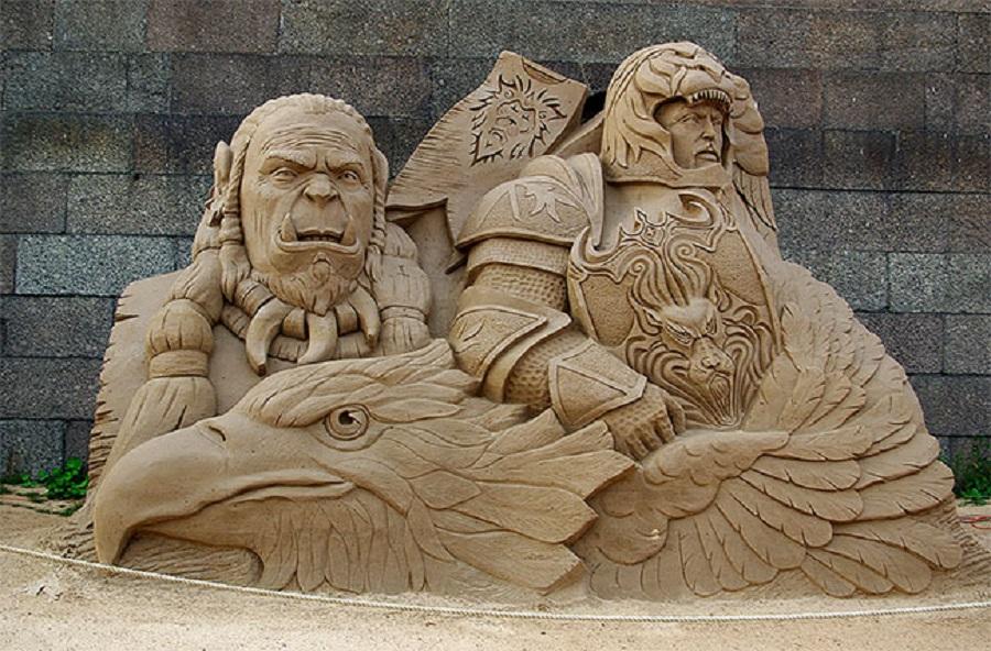 Любимые герои мультфильмов вылеплены из песка