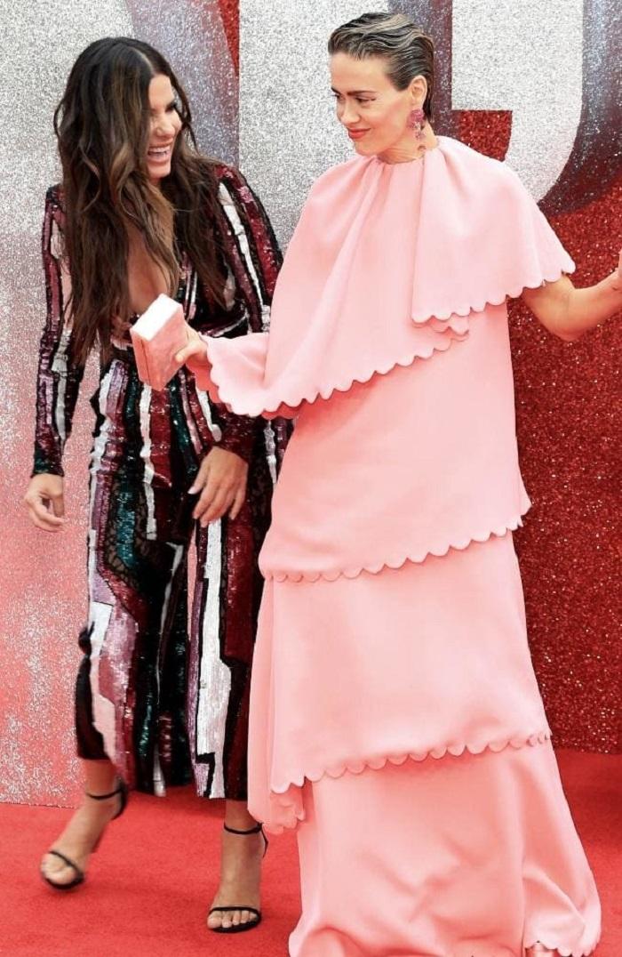 Сандра Буллок и Сара Полсон на лондонской кинопремьере
