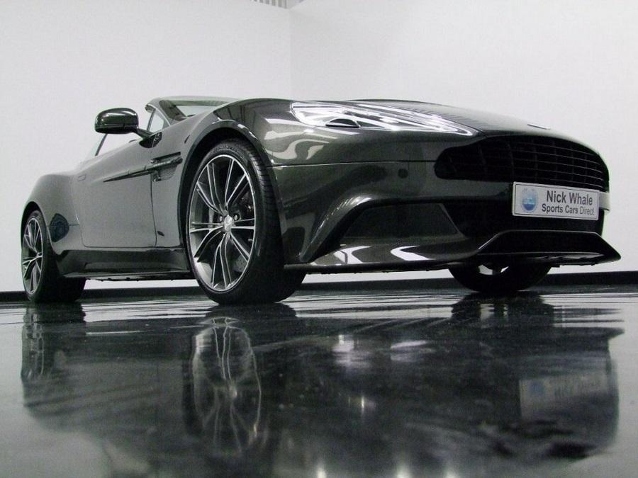 Aston Martin Vanquish-02