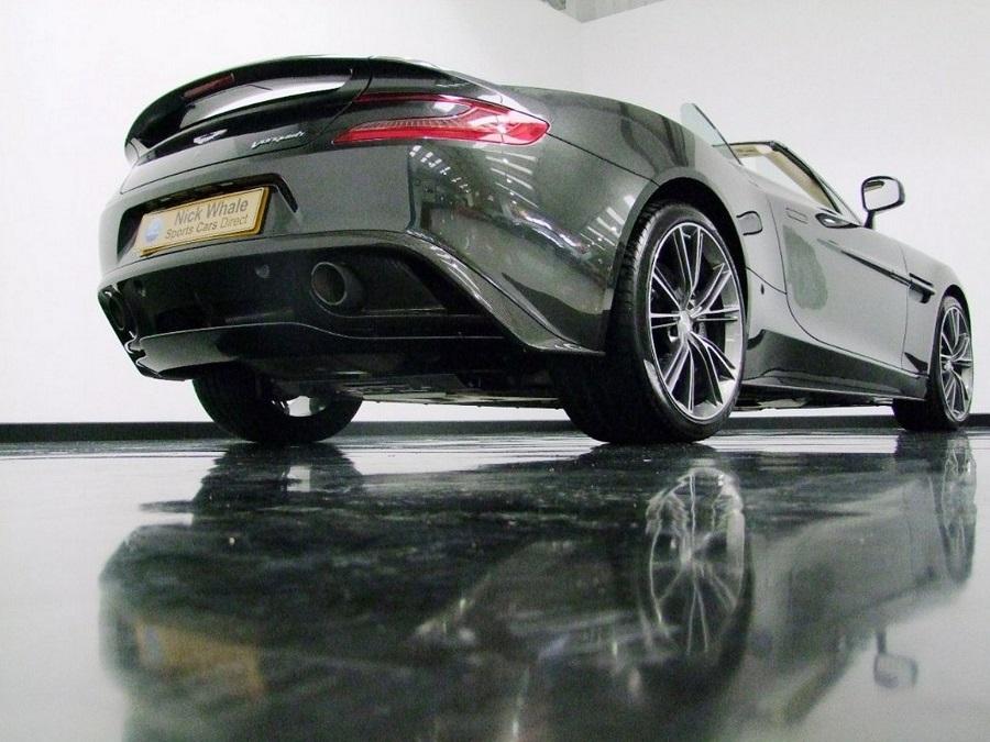 Aston Martin Vanquish-05