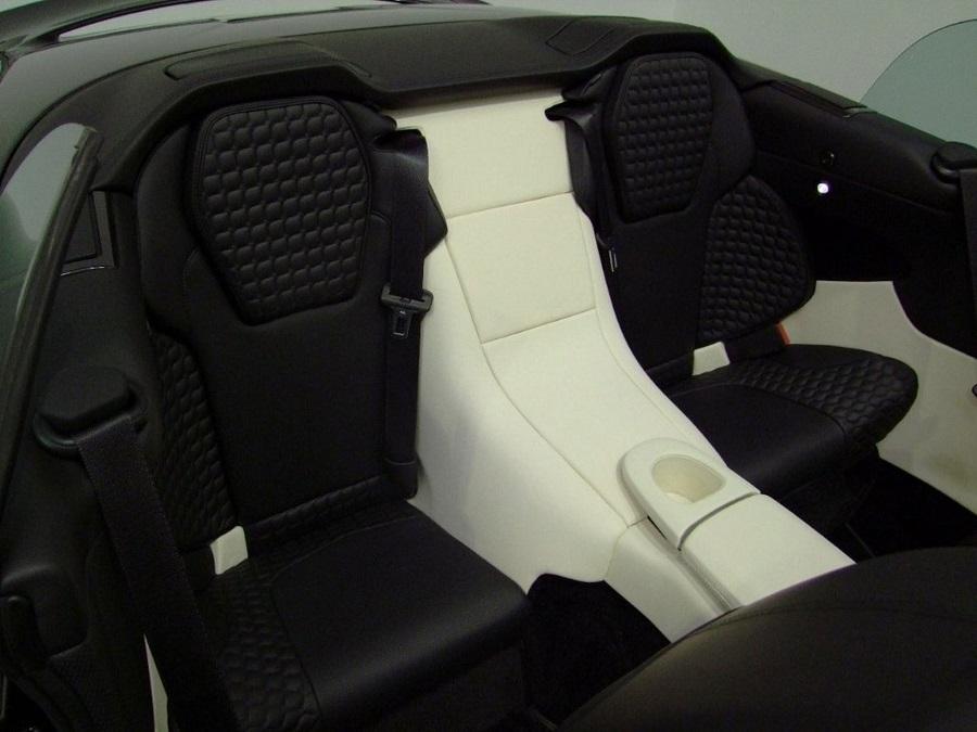 Aston Martin Vanquish-09
