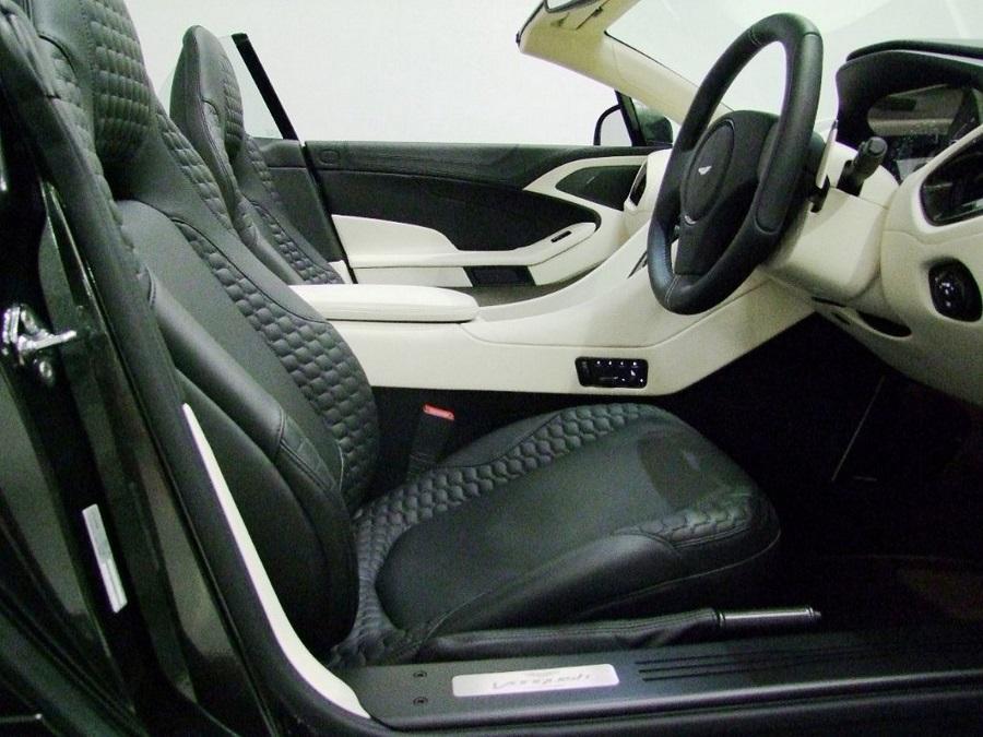 Aston Martin Vanquish-10