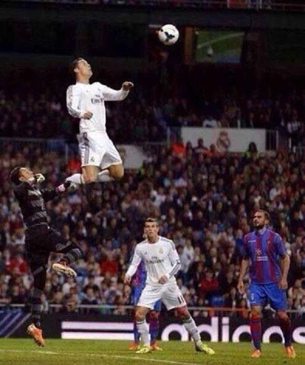 Во время игры футболисты бывают каскадёрами