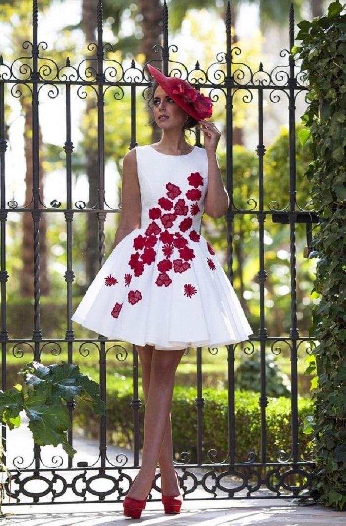 Оригинальный принт на платье сделает ваш образ  таким же оригинальным