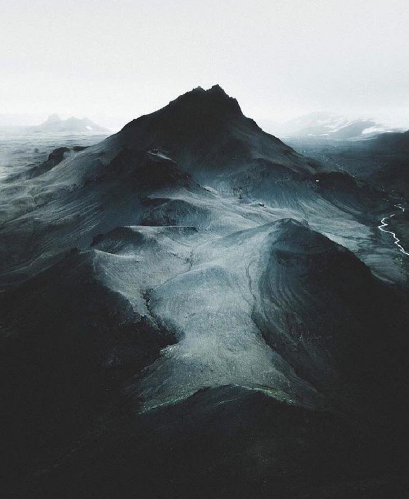 Пейзажи Исландии манят своей загадочностью