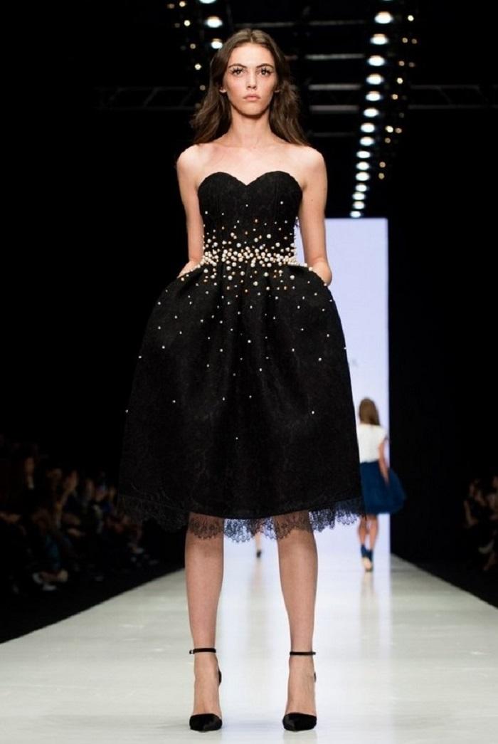 Маленькое чёрное платье станет выигрышным вариантом для любой модницы