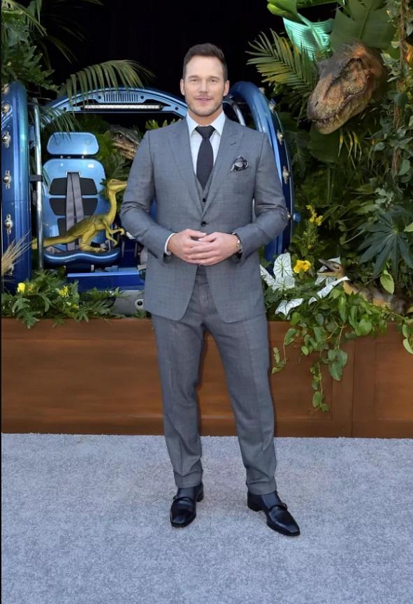 Крис Прэтт выглядит в костюме очень стильно