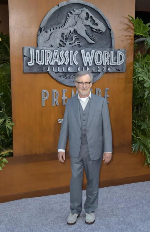 Новый фильм о динозаврах стал очень популярным