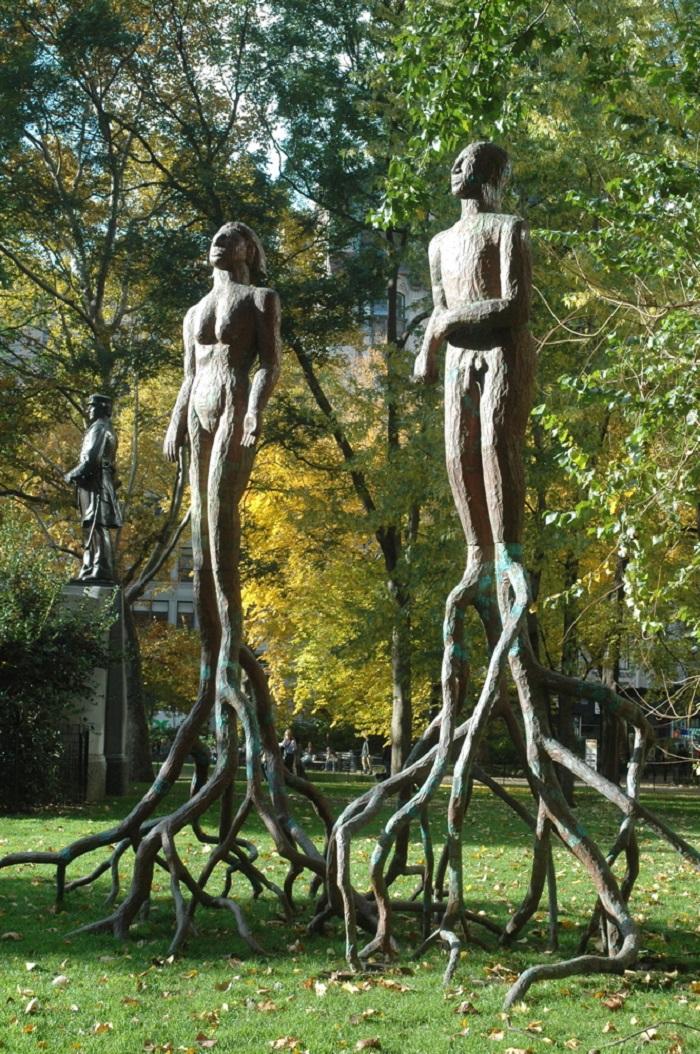 Скульптуры из корней