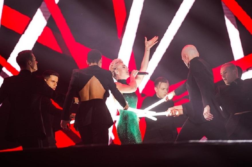 Полина Гагарина выступила в Олимпийском