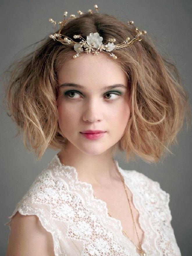 Красивую причёску можно сделать и на длинные волосы