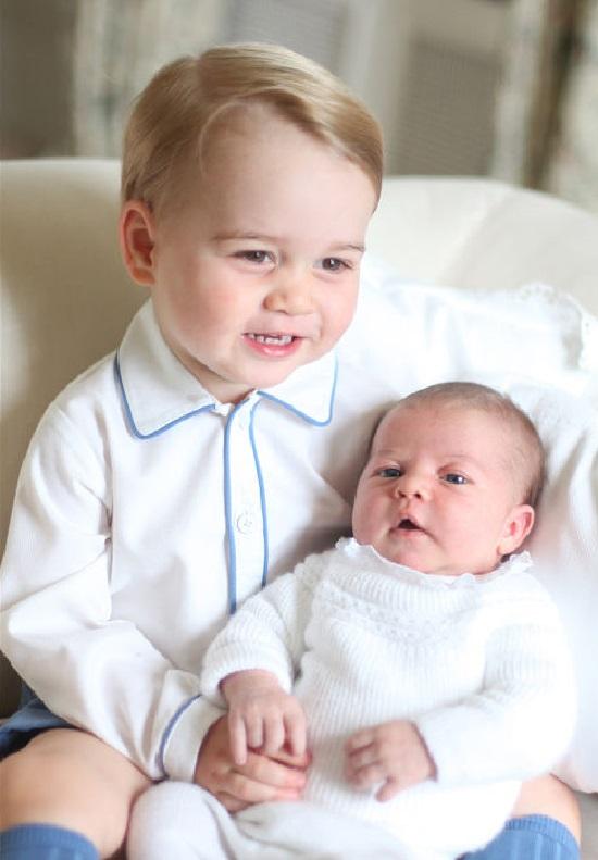 Принц Луи со страшим братом
