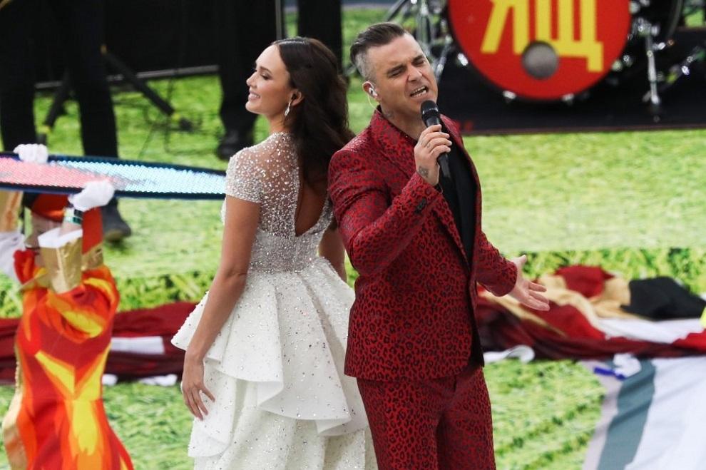 Робби Уильямс спел на открытии ЧМ 2018
