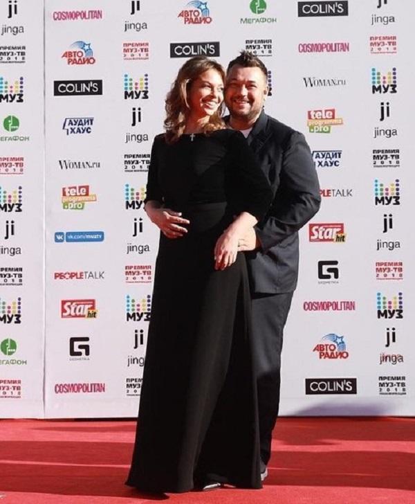 Сергей Жуков пришёл со своей женой