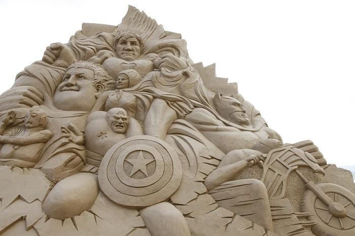 Из песка можно создать удивительно огромные скульптуры