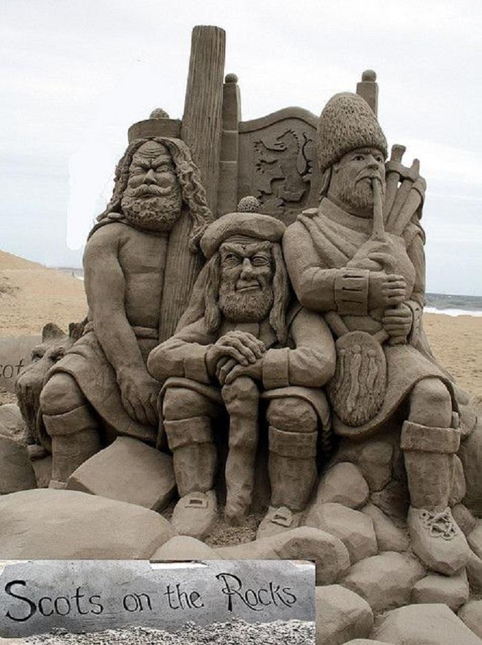 Сюжеты для песчаных скульптур очень разнообразные