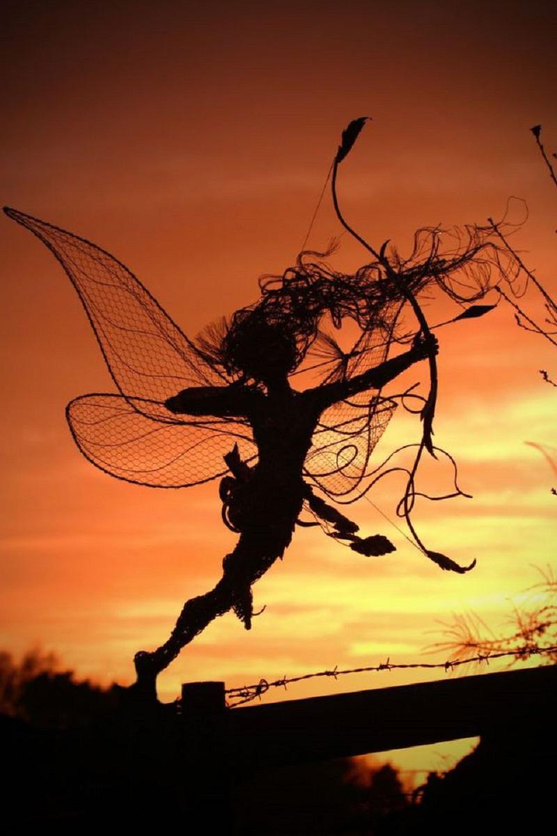 Сказочные феи из стальной проволоки