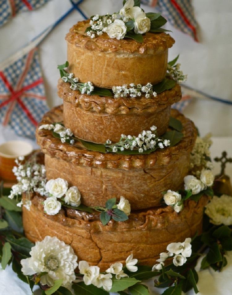 Свадебний пирог из мяса