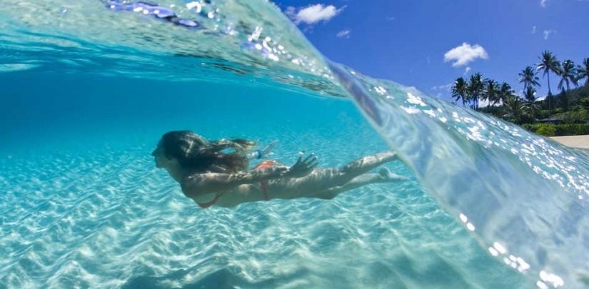 Очень красивые и забавные фотографии девушек, которые наслаждаются отдыхом на море