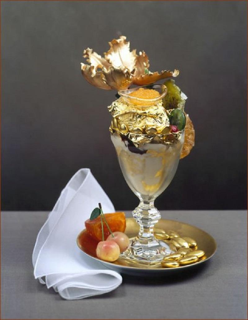 Золотое мороженное стоит 1000 долларов