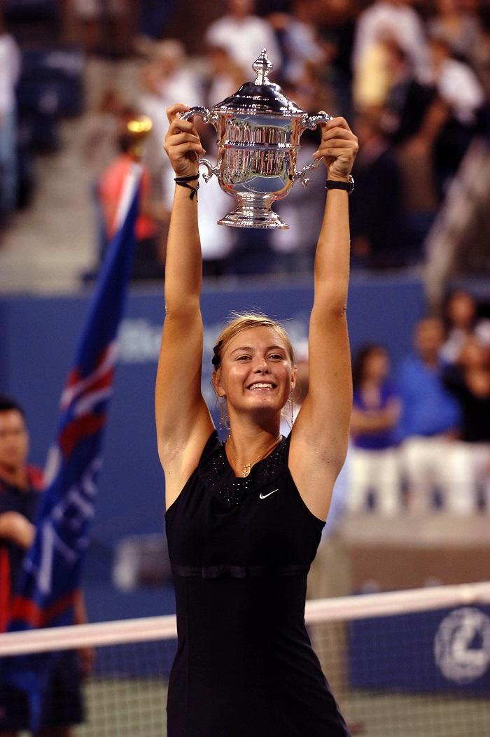 Мария Шарапова в чёрном даже выиграла