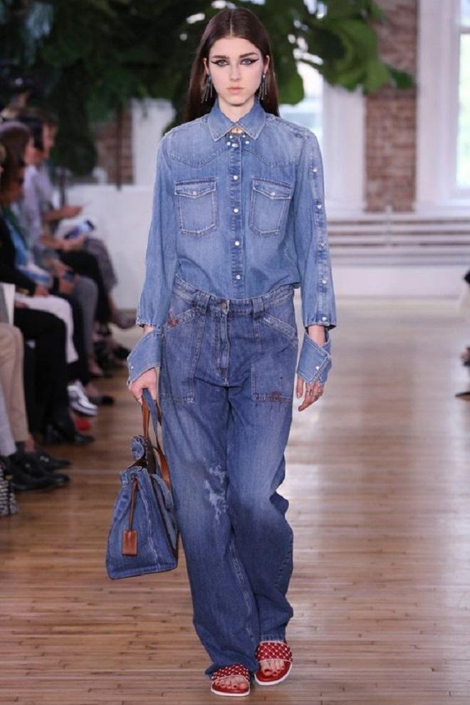Модные джинсы в стиле 90-х