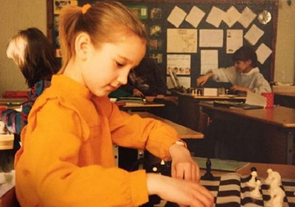 Ольга Бузова: детские фото