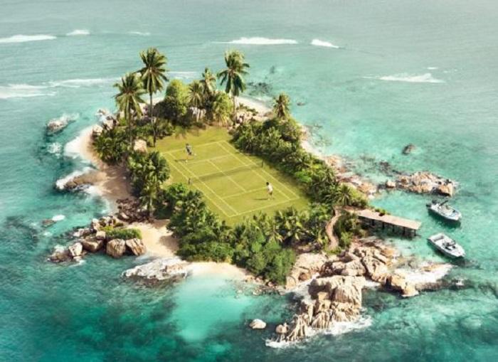 Самые необычные теннисные корты могут быть и наострове