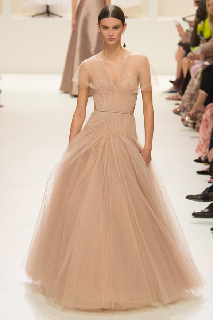 Свадебное платье от Christian Dior Couture осень - зима 2018